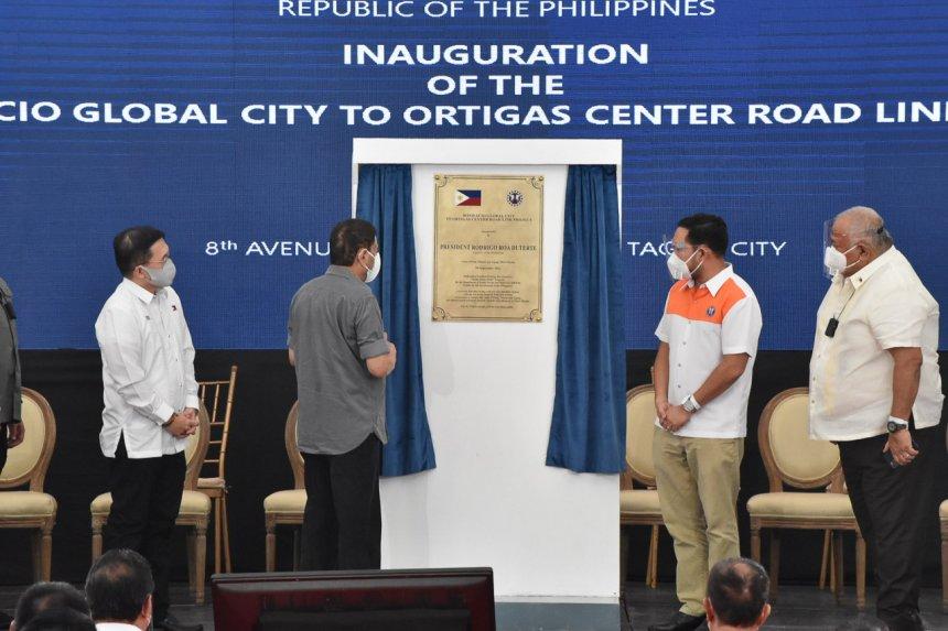 Link ng BGC-Ortigas Center Road